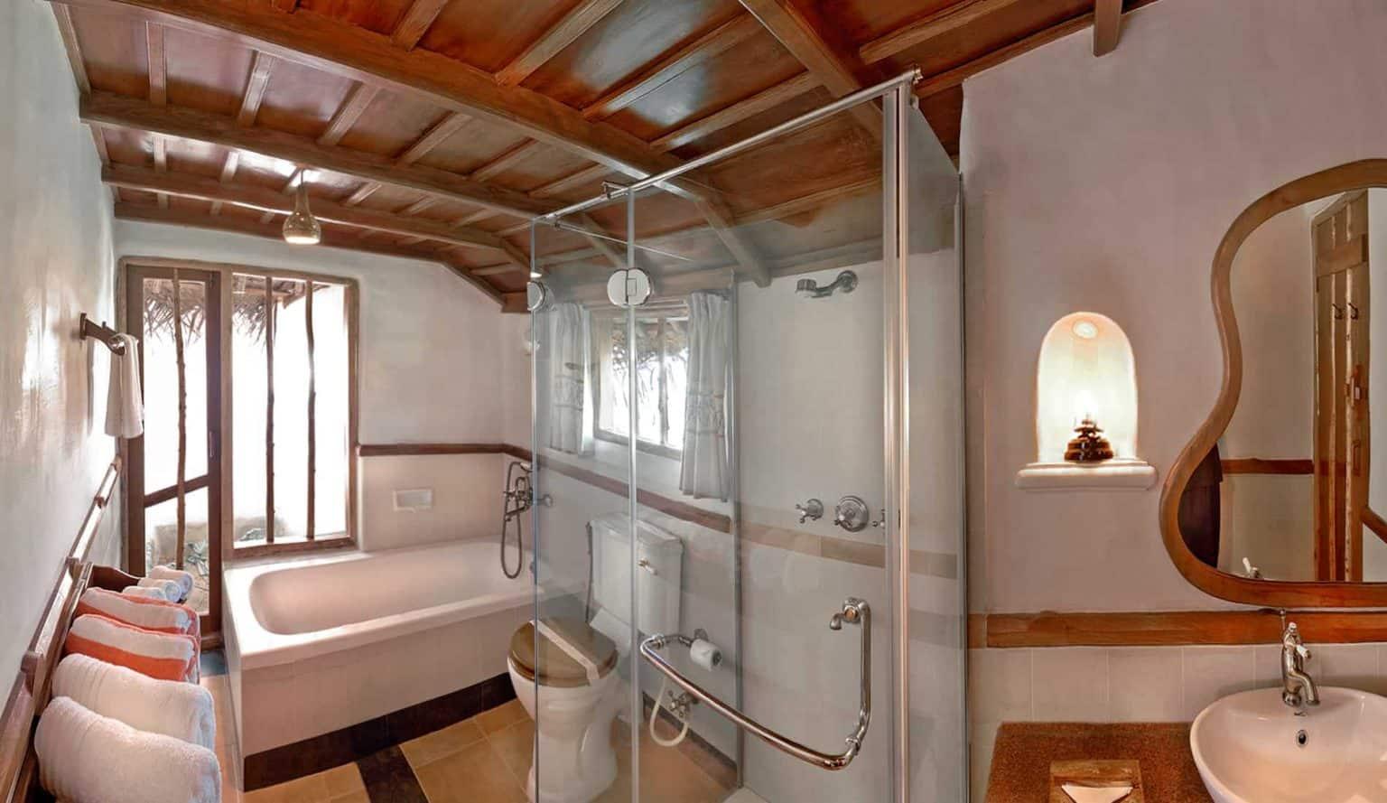 Kabini Hotel Bathroom